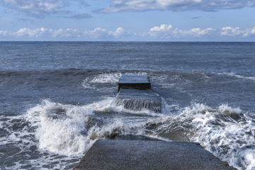 Floating Breakwaters, Docks and Marina Systems
