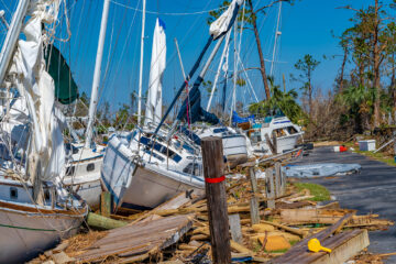 FLOATING DOCKS PREVENT SEVERE DAMAGE TO BOATS DURING HURRICANES