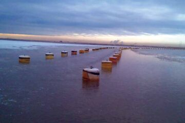 ShibataFenderTeam cylindrical buoys delivered to Mildred Lake in Canada